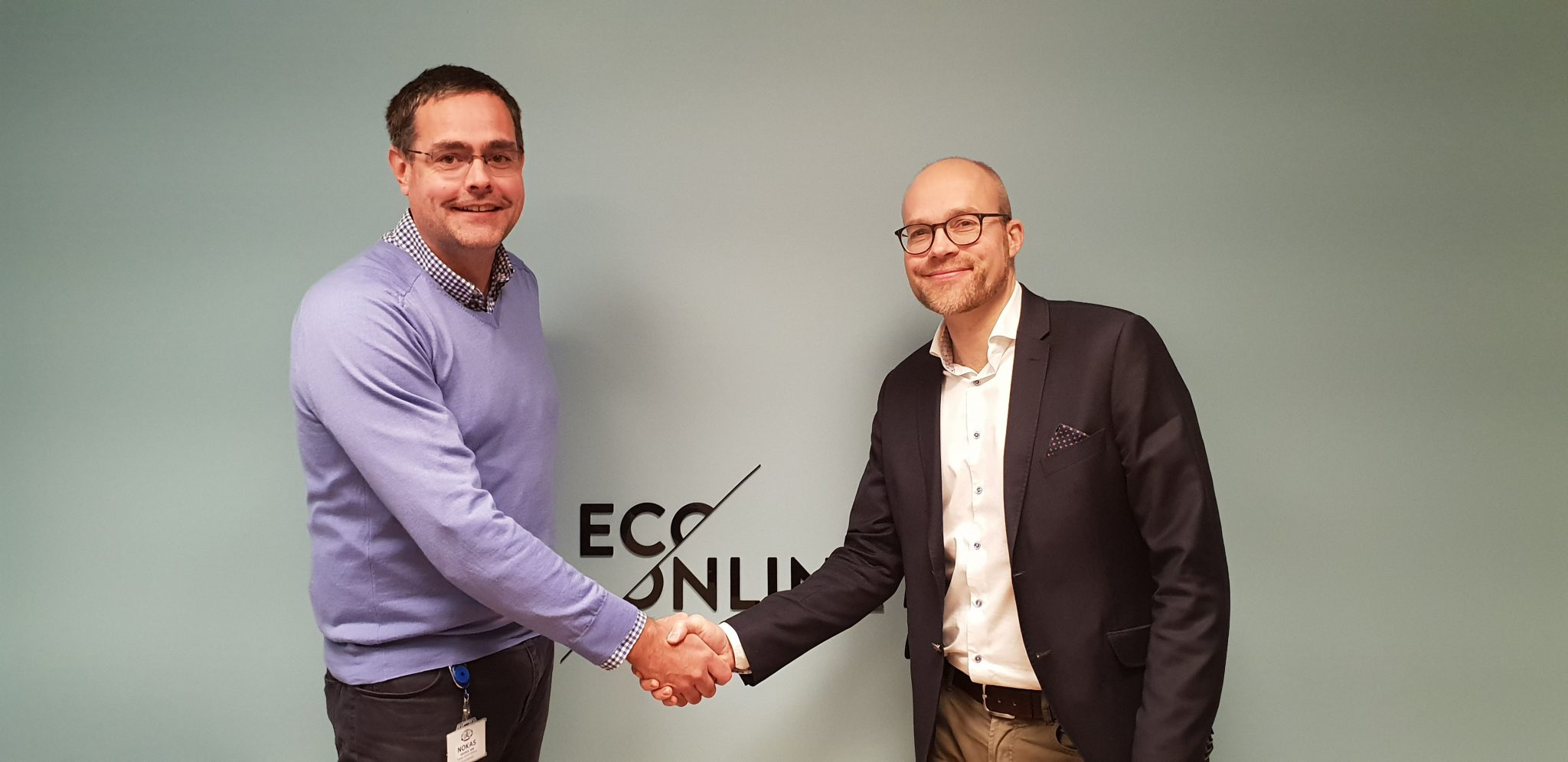 CEO of SafeUse, Thomas Andreassen (left) and CEO of EcoOnline Group, Göran Lindö (right)